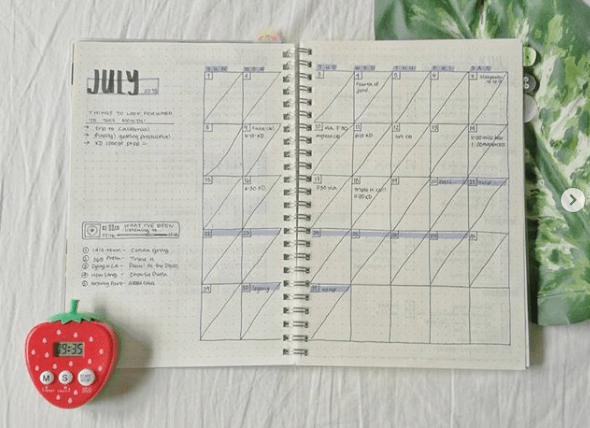 88ive Two Page Monthly Spread